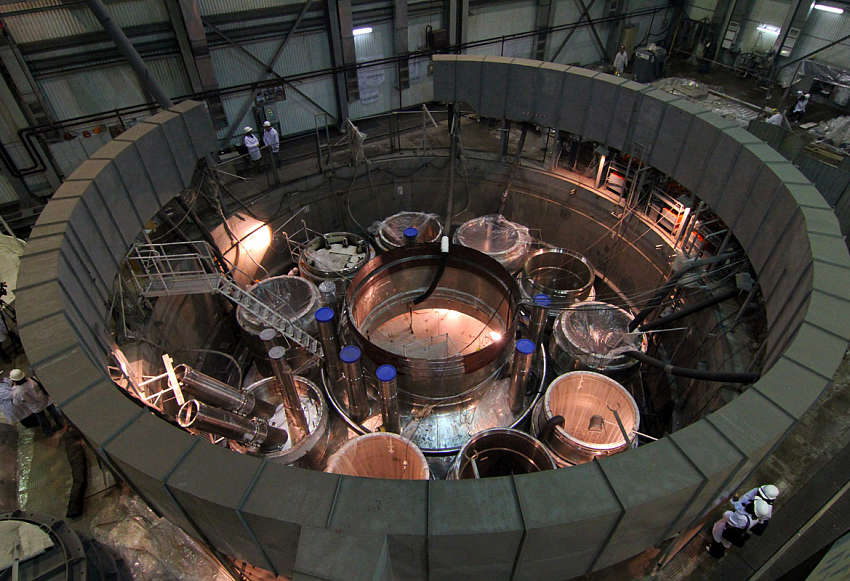 В РФ сделают наибольший вмире нейтронный реактор