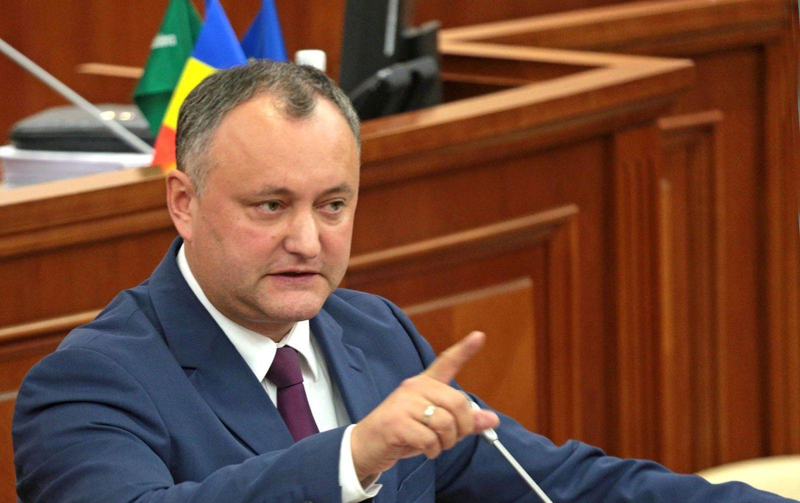 Додон оказался невсостоянии ветировать закон против русских СМИ