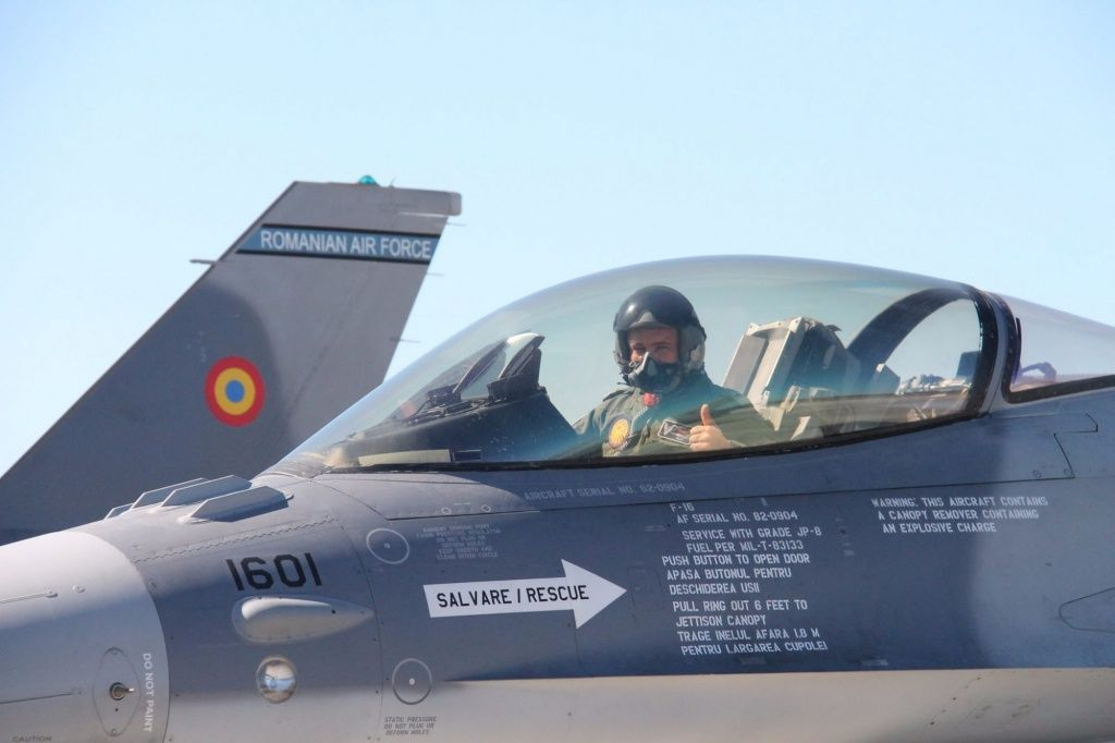 F-16MLU-de-Portugal-para-a-Romênia-2-2000x1333.jpg