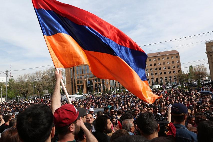 Блок Пашиняна лидирует навыборах вАрмении порезультатам дистанционного голосования