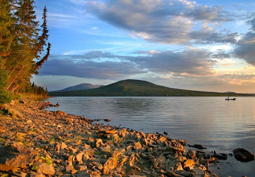 Власти Новосибирской области опровергли передачу озера Казахстану