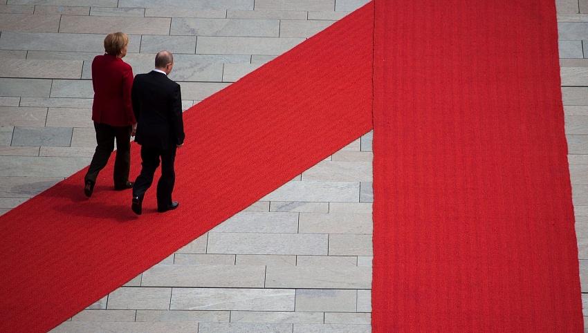 Конец «асимметричного партнерства». Германия намерена конкурировать с Россией в Евразии