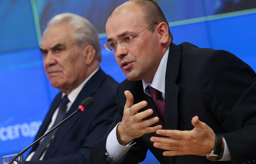 Константин Симонов: «Мы сидим на пороховой бочке, которая может рвануть в любой день»