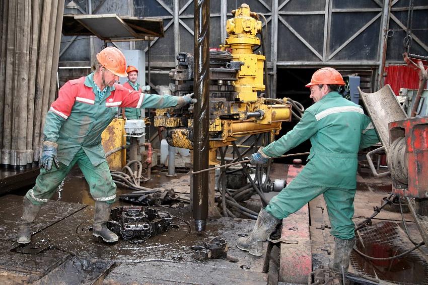 В «Белоруснефти» раскрыли планы по добыче нефти в РФ в 2018 году