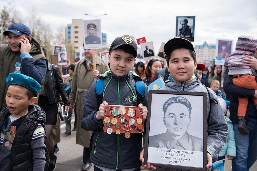 «Отец был тяжело ранен под Витебском». Казахстанец создал уникальный проект о Великой Победе