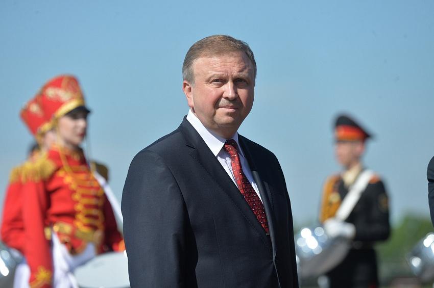 Кобяков обсудил расширение взаимодействия сНовосибирской областью РФ