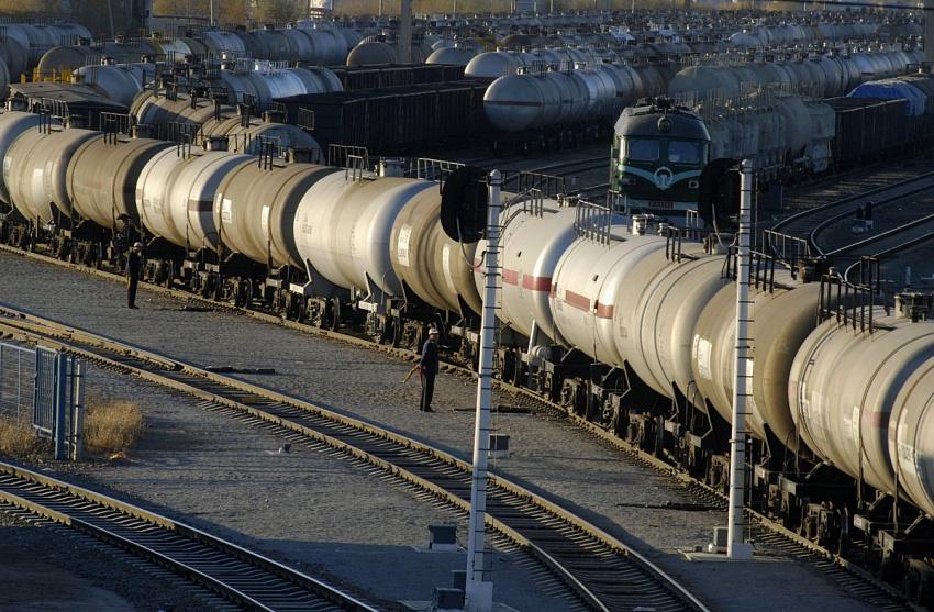 Казахстан планирует нарастить экспорт бензина на рынки СНГ: последствия для ЕАЭС